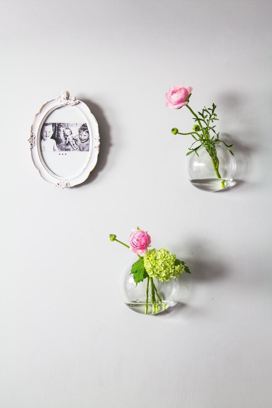 5 bukietów w wazonach na ścianę