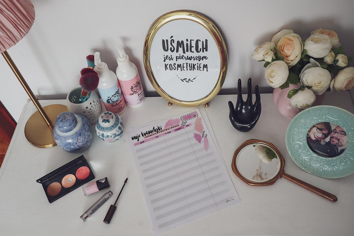 Darmowy planer kosmetyczny — terminy przydatności do druku