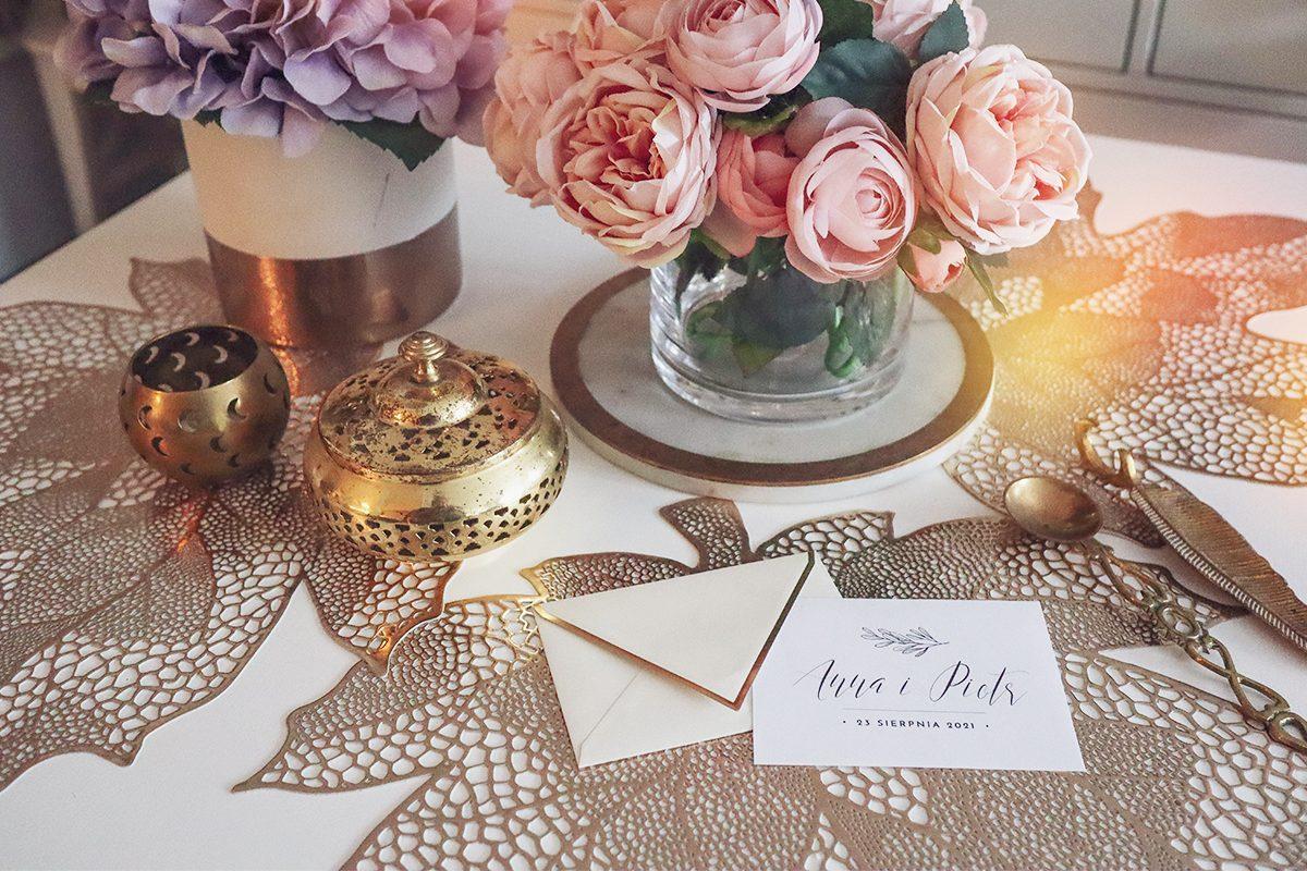 8 par darmowych fontów na zaproszenia ślubne (i nie tylko)